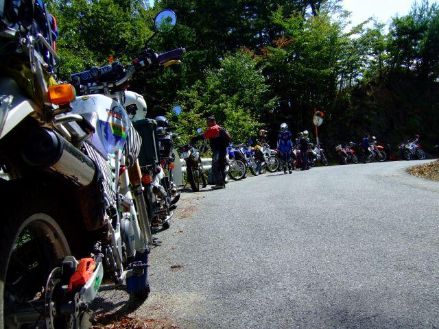 日曜日はスーパーカブで護摩山周辺の林道へ